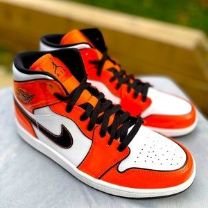 "Air Jordan 1 MID ""Turf Orange"""